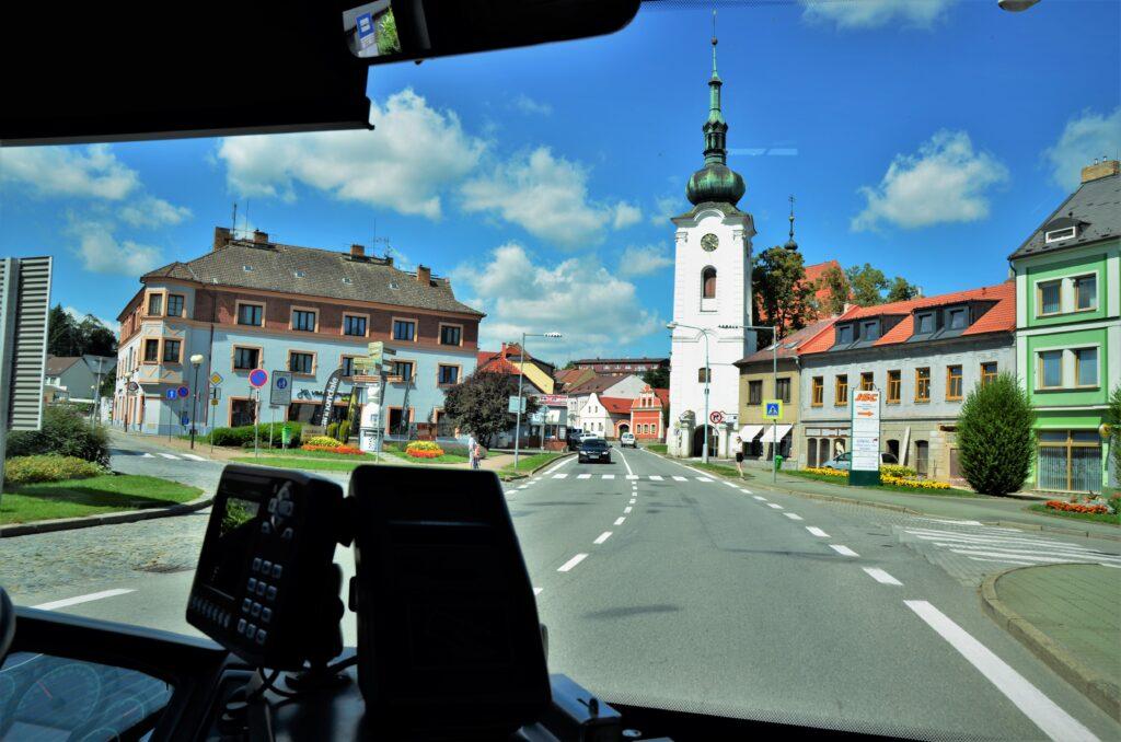 ISUZU NovoCiti Life, autobus svými rozměry ideální do centrální části města i do okrajových oblastí (foto: Zdeněk Nesveda)