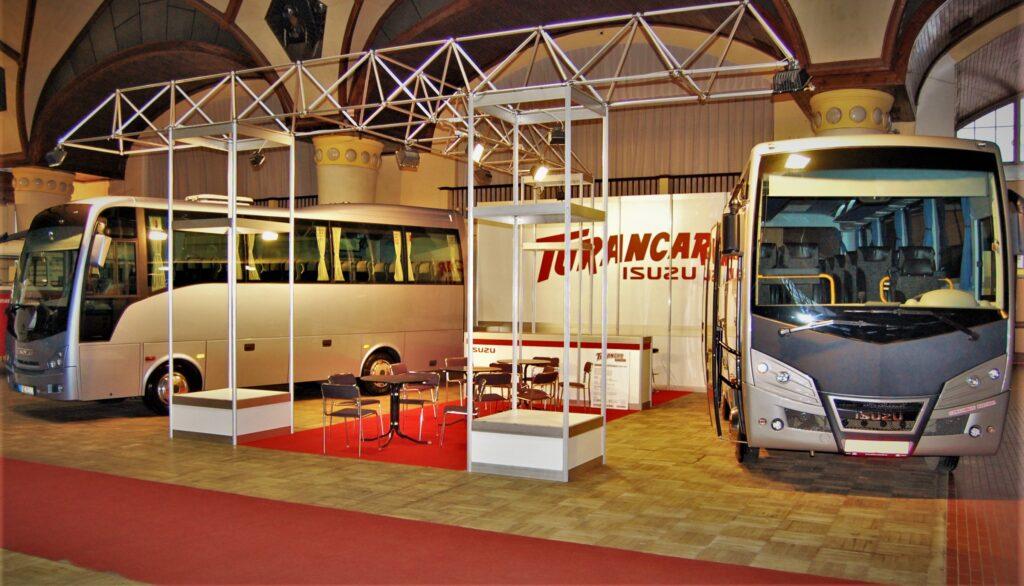 Vystavené autobusy ISUZU na úplně prvním veletrhu CZECHBUS v roce 2011, foto Zdeněk Nesved