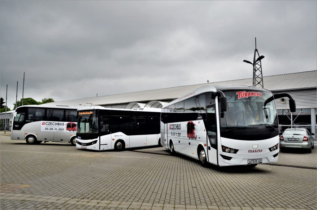 Nejprodávanější modely autobusů ISUZU se představily novinářům na výstavišti PVA v Letňanech