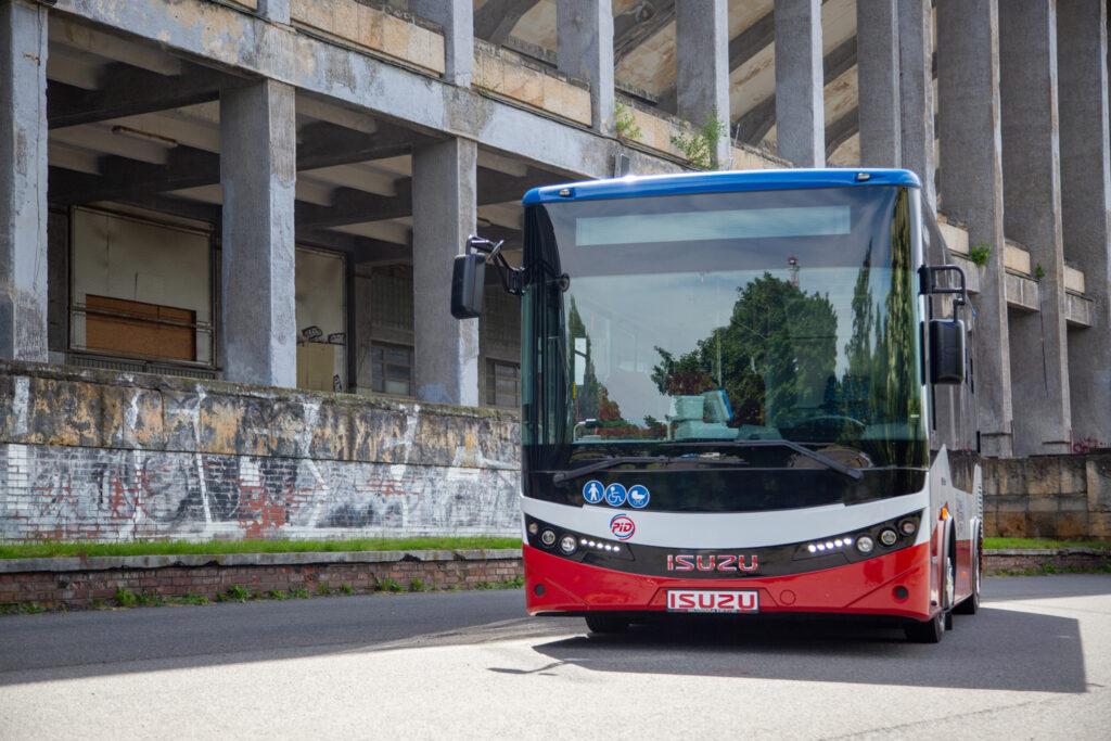 ISUZU NovoCiti Life v provedení pro Pražskou integrovanou dopravu (PID), léto 2021 (foto: Martina Wiesner)