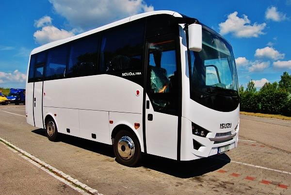 Autobusy ISUZU, skladové zásoby za skvělé ceny!