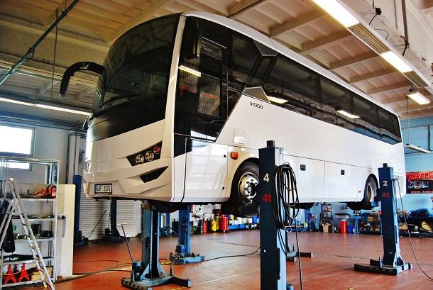 Nový autobus VISIGO  Euro 6 se připravuje v novém servisním centru TURANCAR,